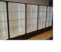 Витрина закрытая торговая стеклянная с тумбой