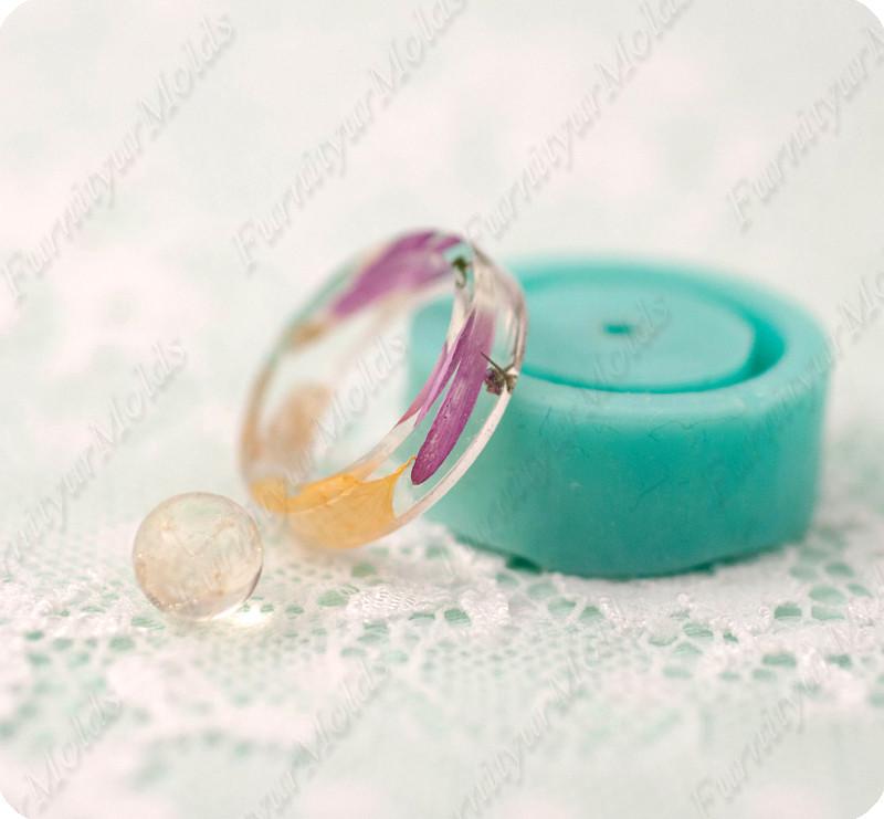 Силиконовый молд для эпоксидной смолы на кольцо 15,75-16,25-17 и мини-шарик на 8мм.