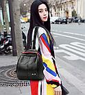 Рюкзак женский PU чёрный кожзам в форме Капля с красочно оформленным замком, фото 10