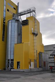 Страна: Словения Тип: MDB-XN 1/12-SU Продукт: Пшеница, кукуруза Производительность: Пшеница: 26 т/ч. 19% до 15% кукуруза: 15т/ч. 25% до 15%