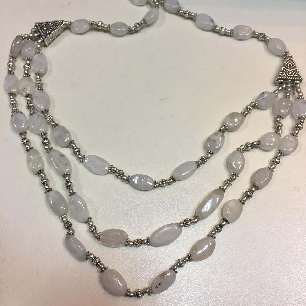 Колье лунный камень в серебре. Шикарное ожерелье с природным лунным камнем Индия