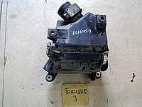 Расходомер воздуха Mitsubishi Grandis 2.4 AT 2008г.в.  MR985187