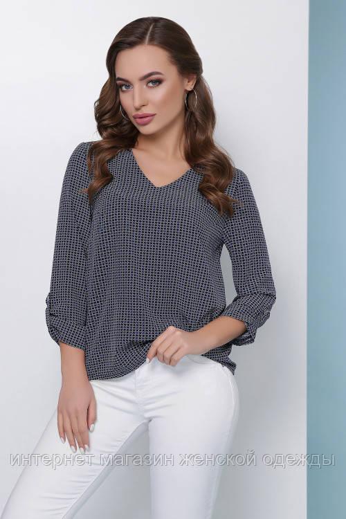Женская легкая блузка свободного кроя хлястиком на рукаве темно-синяя