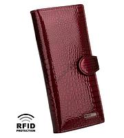 647f6dd0cf46 Кошелек женский кожаный Kafa с RFID защитой темно красного цвета