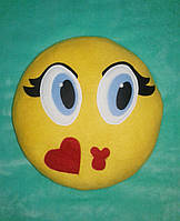 """Подушка смайл Emoji 35 см """"Воздушный поцелуй"""""""