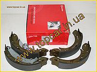 Тормозные колодки задние барабанные Peugeot Partner 96-   228*42  Brembo S61524