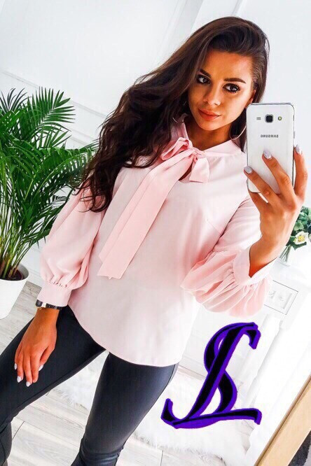 Блузка на завязке