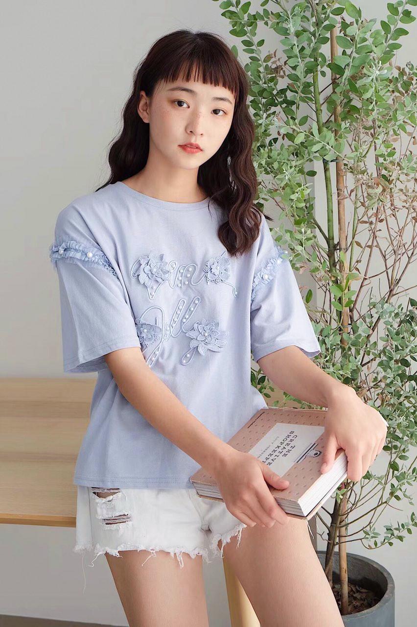 Красивая стильная футболка 44-46