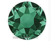 Стразы Swarovski клеевые холодной фиксации 2088 Emerald F (205) 12ss (упаковка 1440 шт)