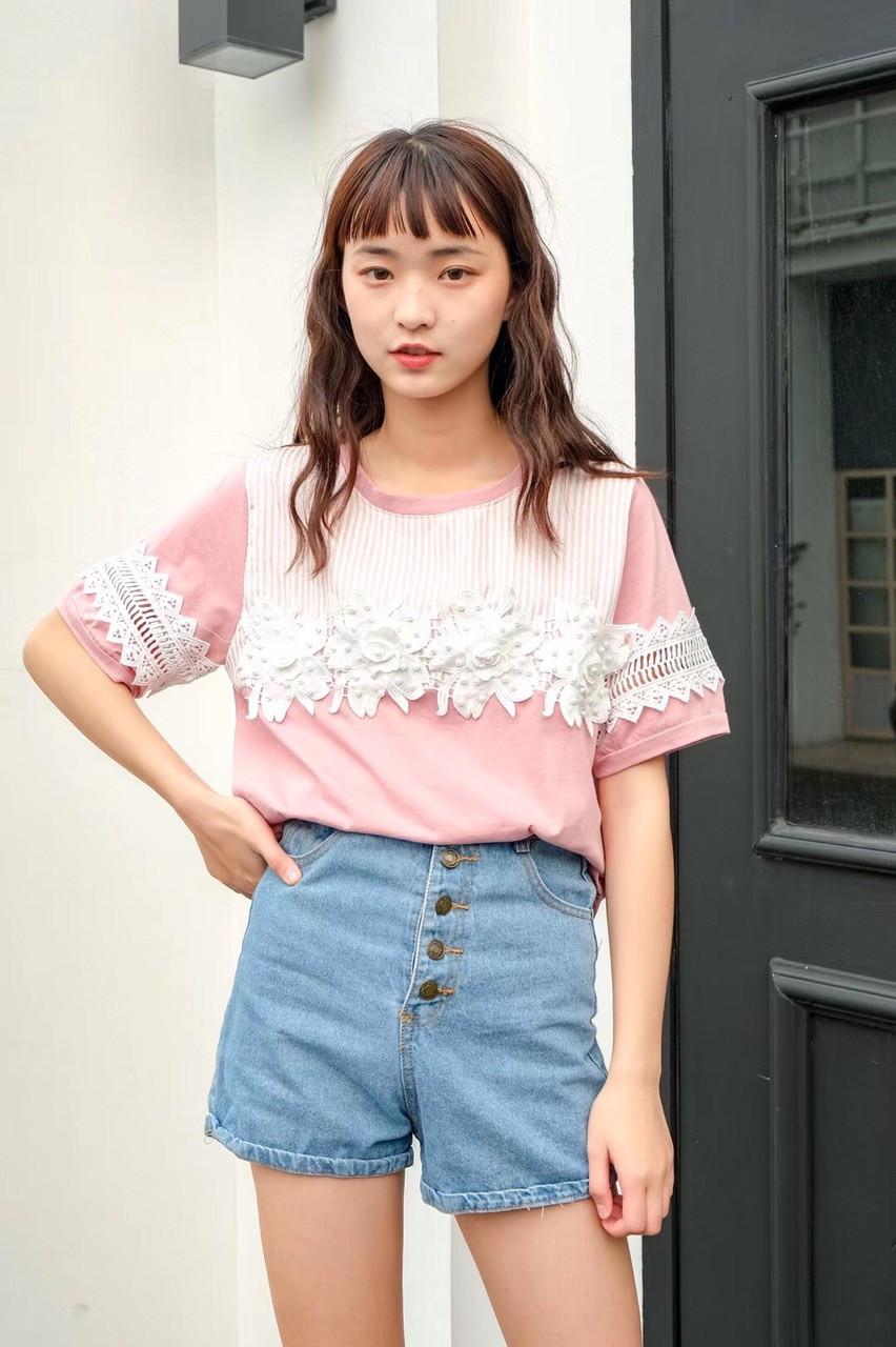Летняя женская футболка с аппликацией (в расцветках)