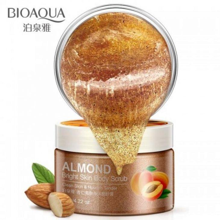 Скраб для тела с абрикосом и миндалем Bioaqua Almond Bright Skin Body Scrub (120г)