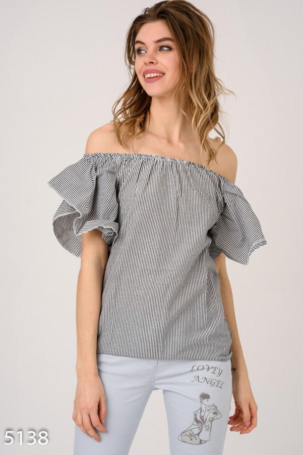 Темно-серая полосатая блузка с открытыми плечами Код - 5138