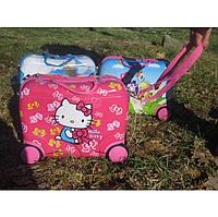 Детский чемодан каталка Hello Kitty. Детский чемодан Хелло Китти. Детские чемоданы каталки Китти.