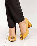 Элитные горчичные замшевые женские туфли из итальянского велюра, фото 6