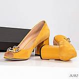 Элитные горчичные замшевые женские туфли из итальянского велюра, фото 4