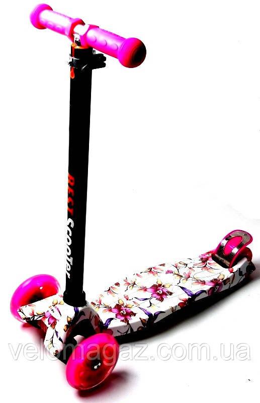 Детский самокат MAXI.Flowers.Lily. Розовые светящиеся колёса.