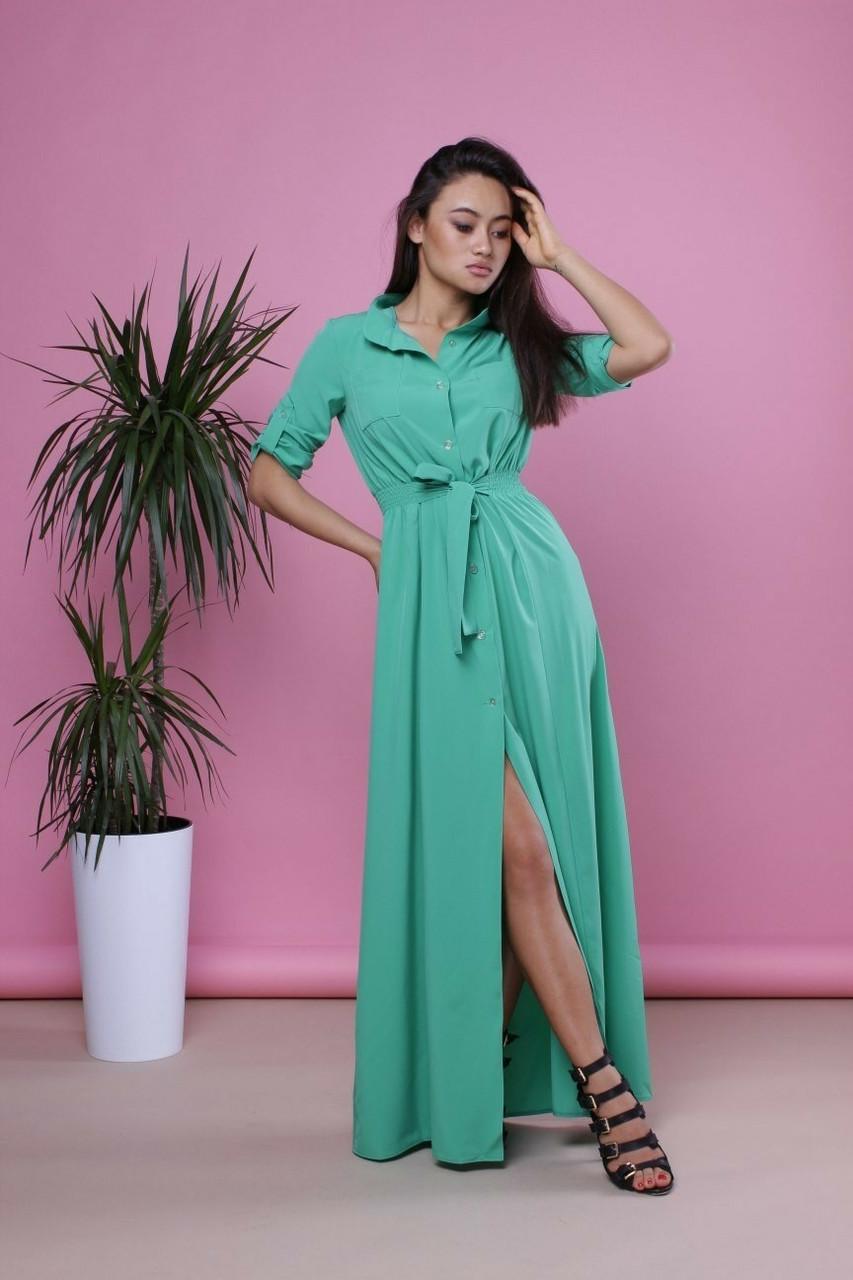Удлиненное платье-рубашка с вырезом