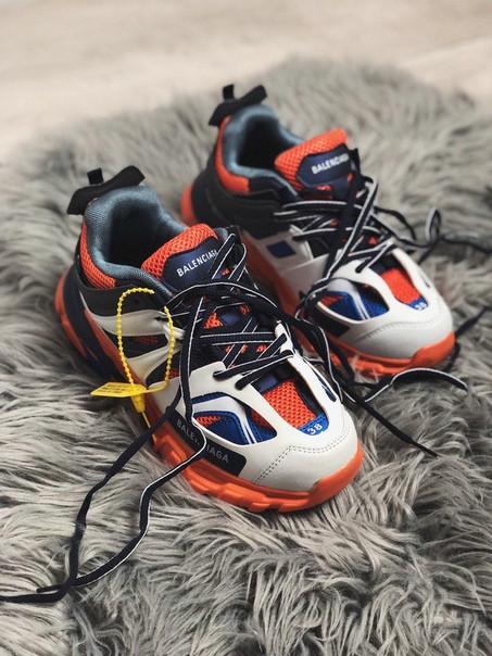 Жіночі кросівки Balenciaga Triple S 2.0 , Репліка