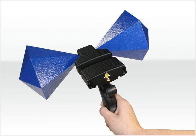 Тестовый передатчик радиосигнала Aaronia OFG30300 (30 МГц - 3 ГГц)