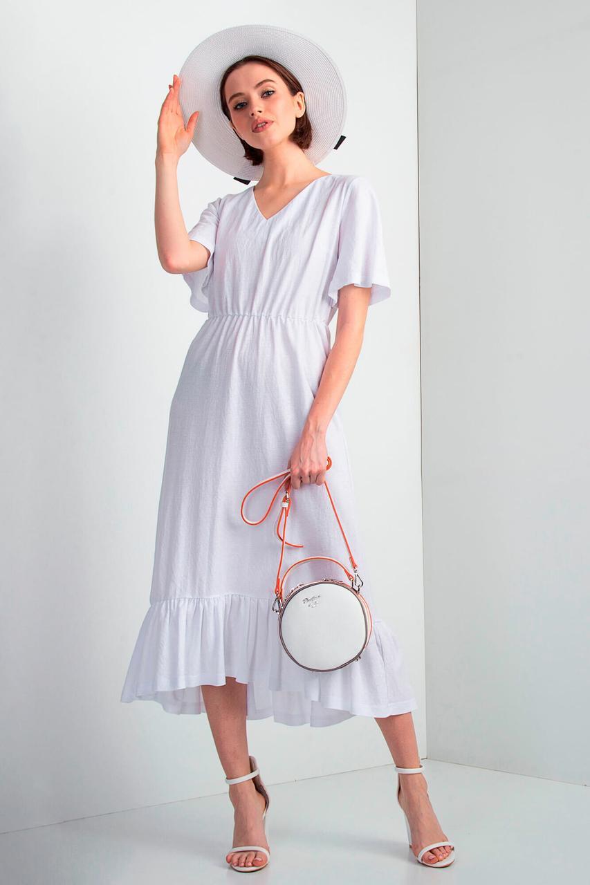 Белое трикотажное платье NICOLET с широкой рюшей и длиной миди