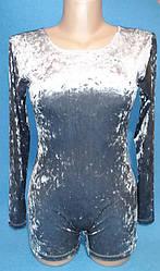 Комбинезон классический  длиный рукав- шорты. Пошит из трикотажного полотна:  бархат- мраморный велюр