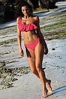 Розовый раздельный купальник латино с воланом на бюстгальтере