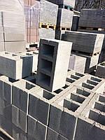 Камень вибропрессованный ( на основе отсева, песка, цемента  ) размер 200-200-400