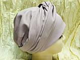 Шапка чалма демісезонна тонка з об'ємним плетеним прикрасою колір пудра, фото 4