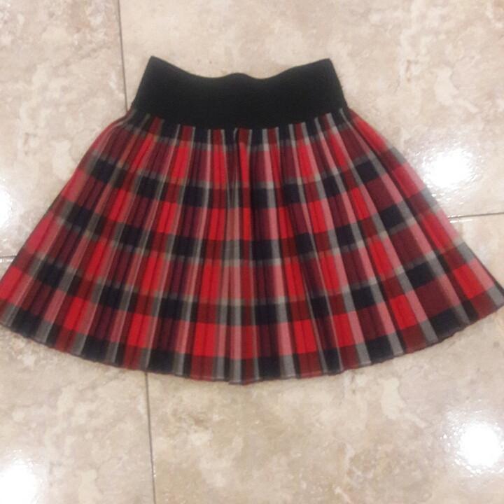Красивая юбочка в складку для маленькой девочки