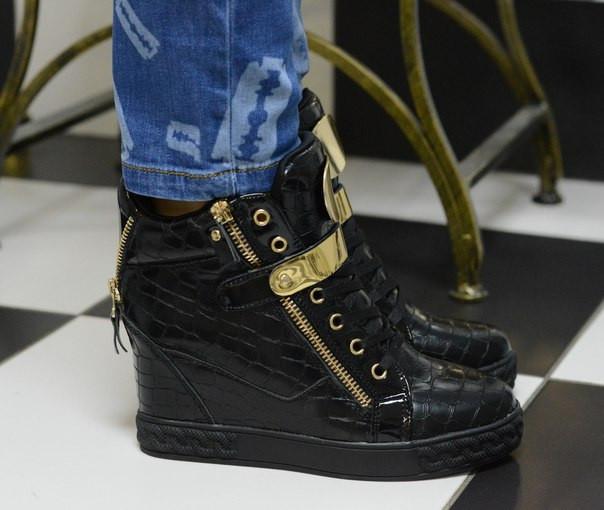 Ботиночки сникерсы черные Д367