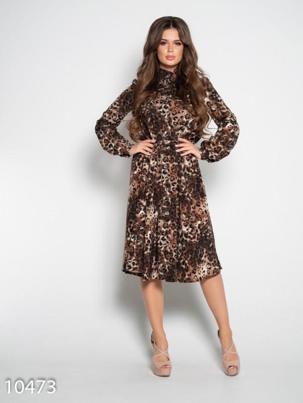 Платье на пуговицах с животным принтом