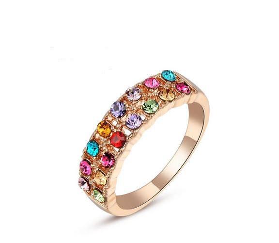 Кільце позолочене з кольоровими кристалами код 741