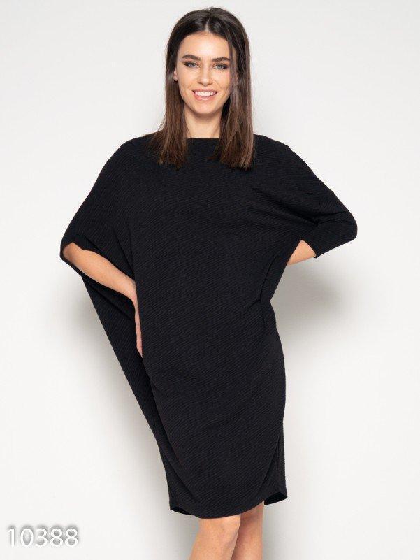 Черное фактурное асимметричное платье XXL
