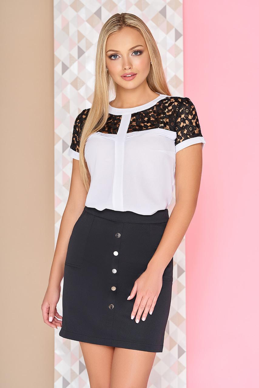 """Нарядная легкая блузка с короткими гипюровым рукавами и ажурной вставкой спереди """"Бекки"""" белая с черным"""