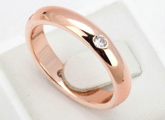 Позолоченное кольцо женское с цирконами код 887