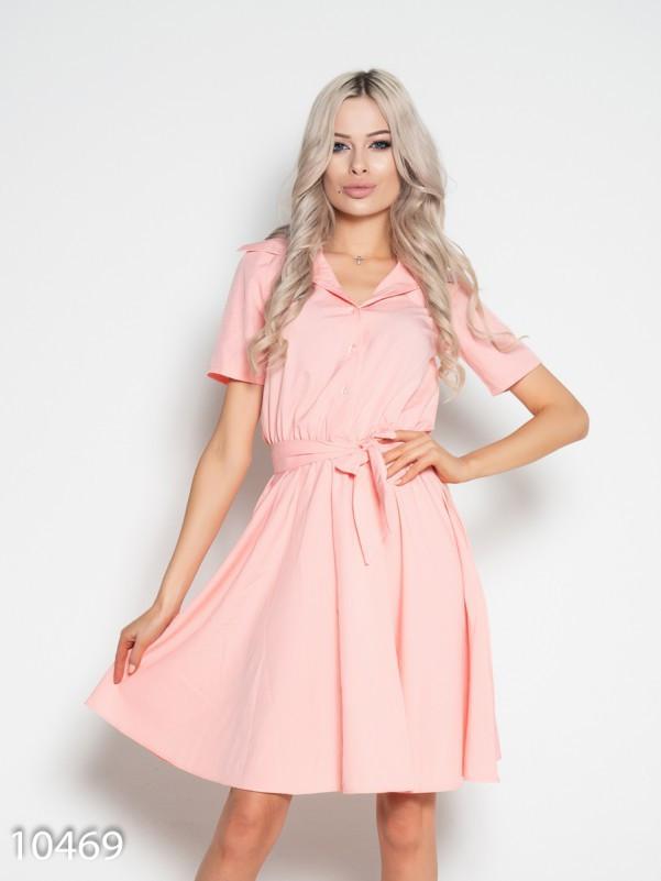 Розовое приталенное платье с короткими рукавами L