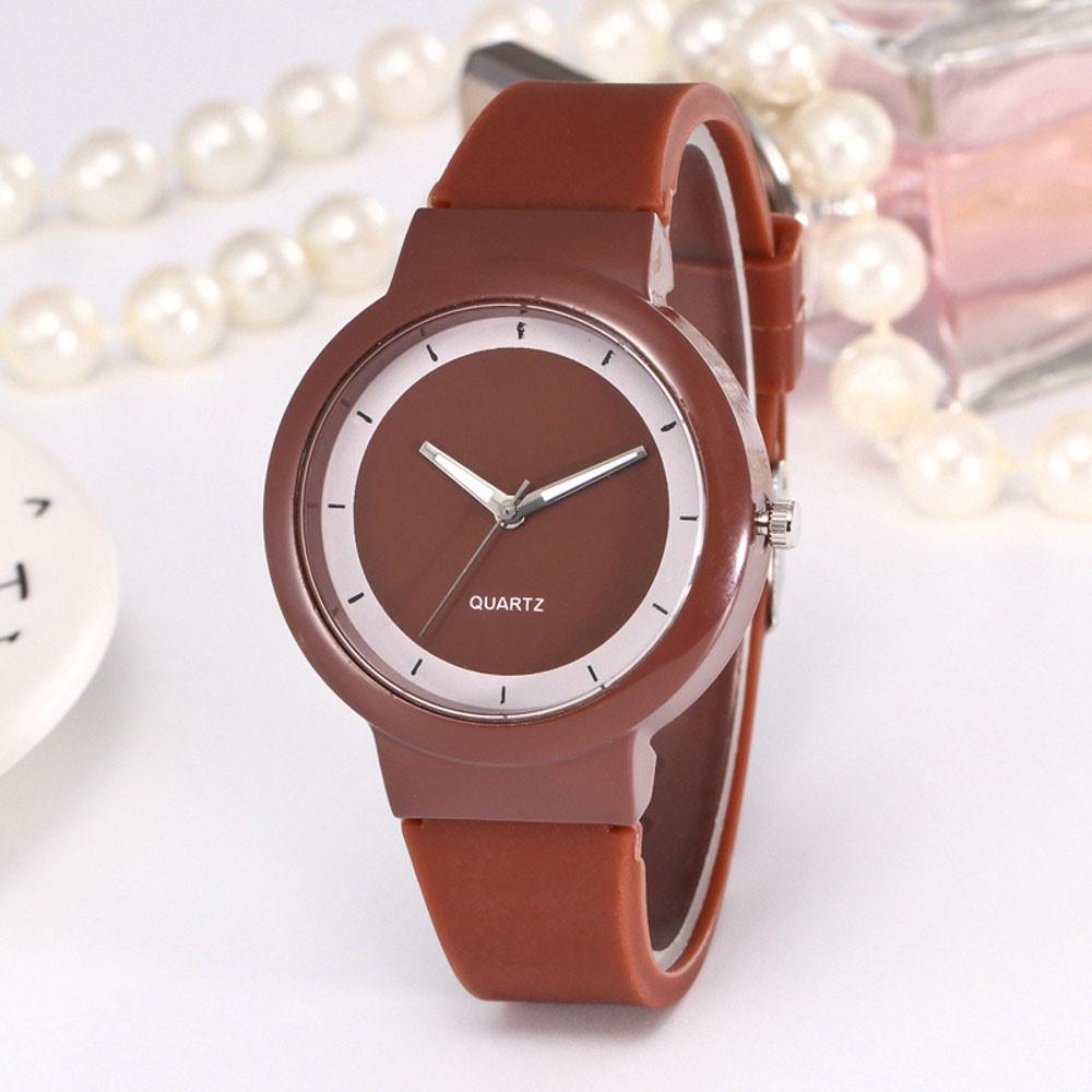 Женские часы, силиконовый ремешок, цвет коричневый