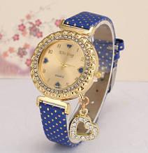 Наручний жіночий годинник c синім ремінцем код 246