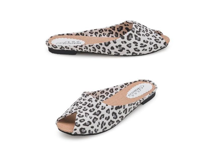 Шльопанці жіночі леопард Б767