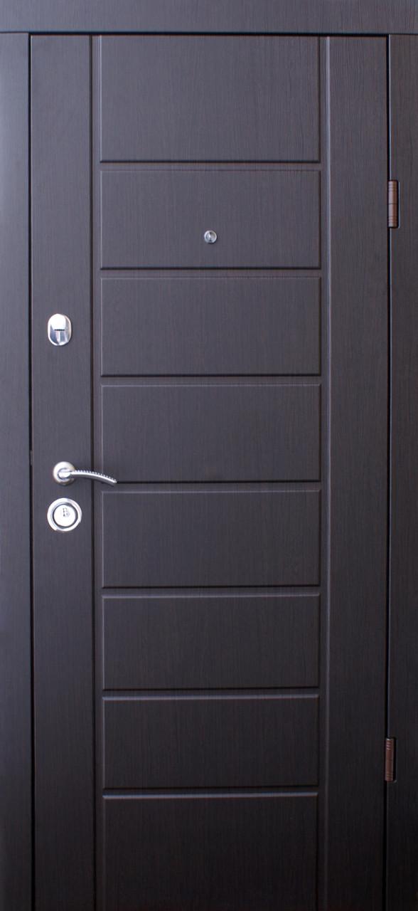 Двери квартирные, QDoors, модель Канзас, комплектация Эталон,2 контура уплотнения