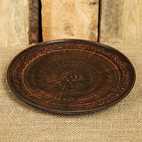Тарелка из красной глины, диаметр 20 см плоская, с декором