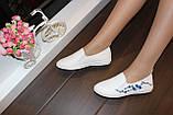 Слипоны женские белые с вышивкой Сакура код Т225, фото 7