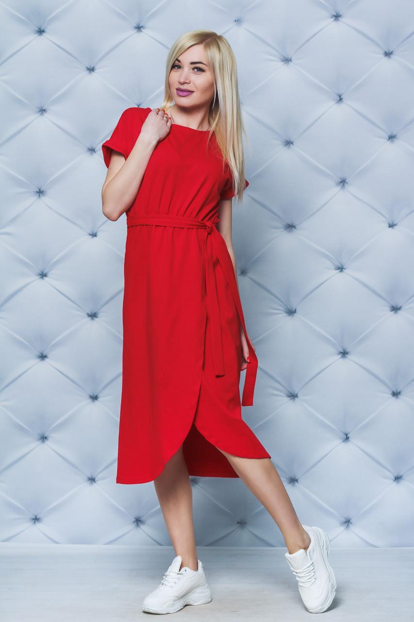 Летнее трикотажное платье с поясом красное