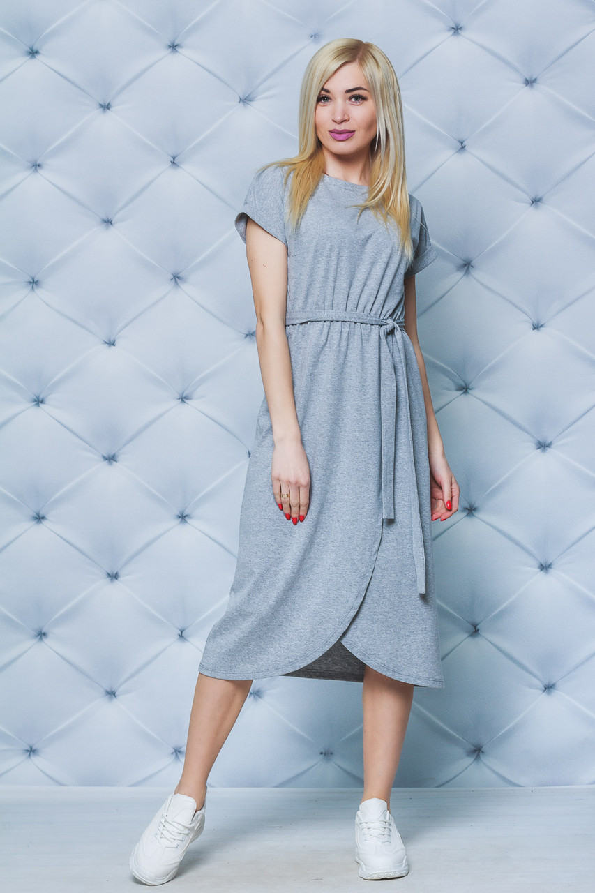 Летнее трикотажное платье с поясом меланж