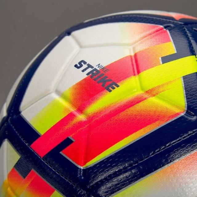 myach-futbolnyiy-00004