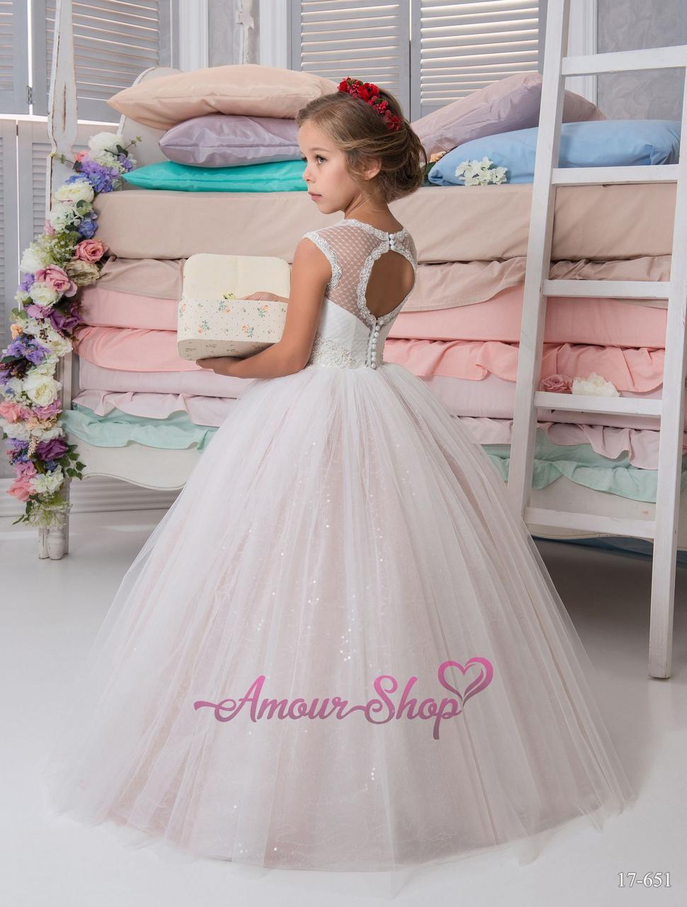 Детское нарядное платье, пышное с открытой спинкой