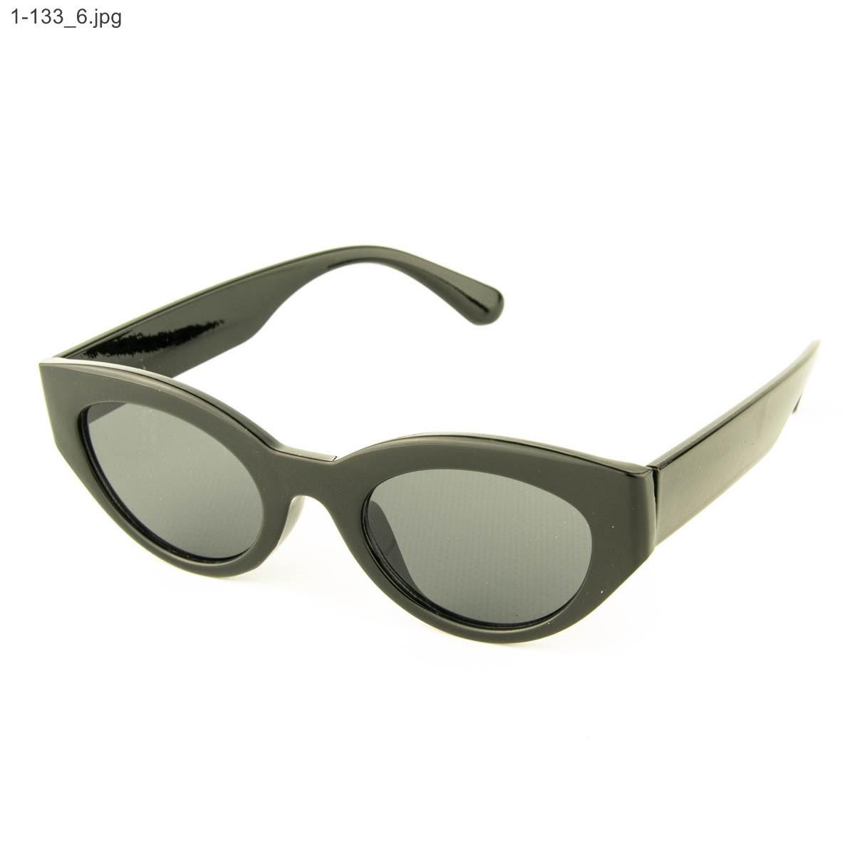 Оптом солнцезащитные очки овальной формы - Черные - 1-133