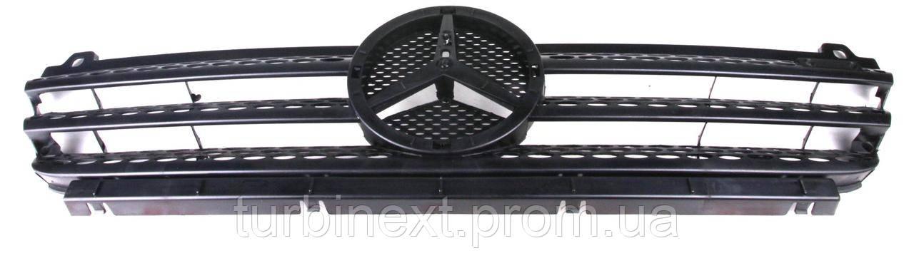 Решетка радиатора MB Sprinter CDI 03- (без улыбки) (9018800385) ROTWEISS RW88015