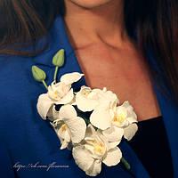 Брошь. Веточка орхидеи из полимерной глины