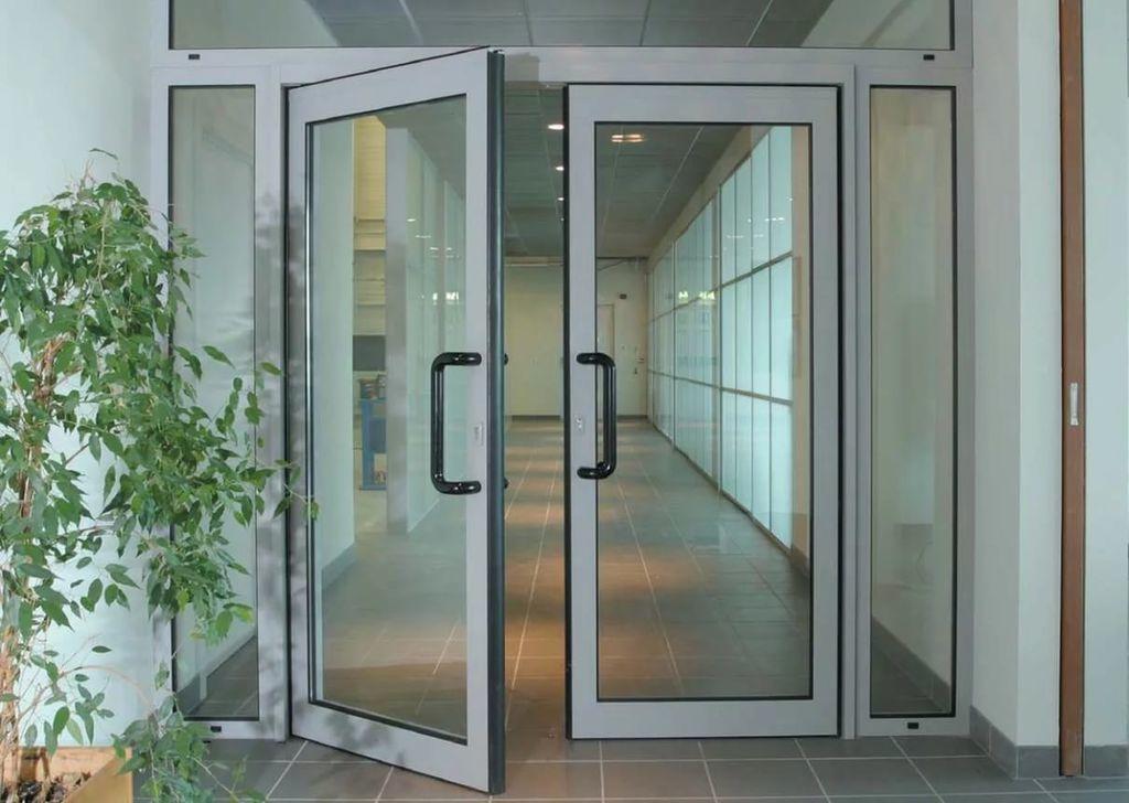 Двери из алюминиевого профиля под заказ